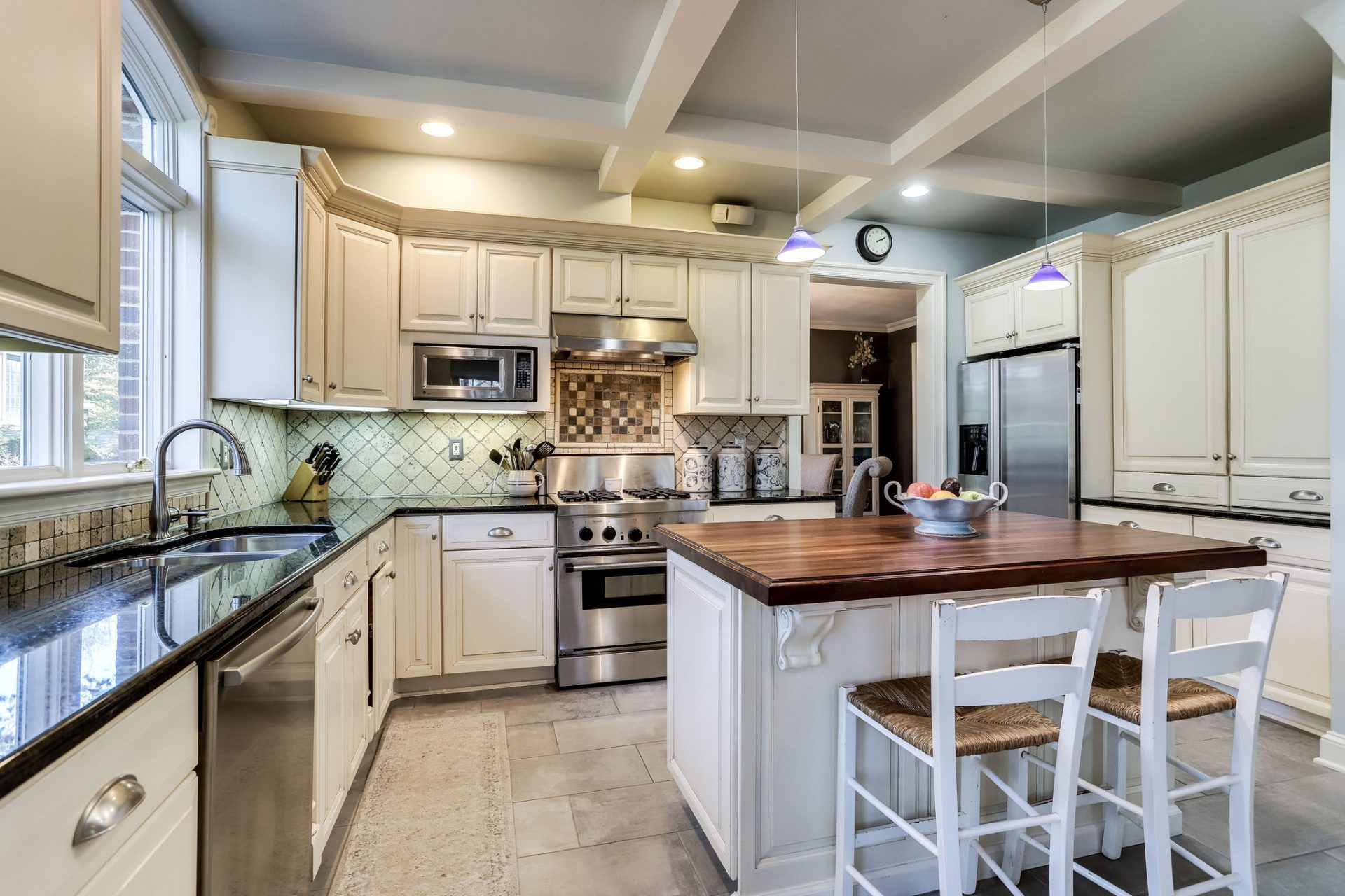 Lovely Kitchen with Island
