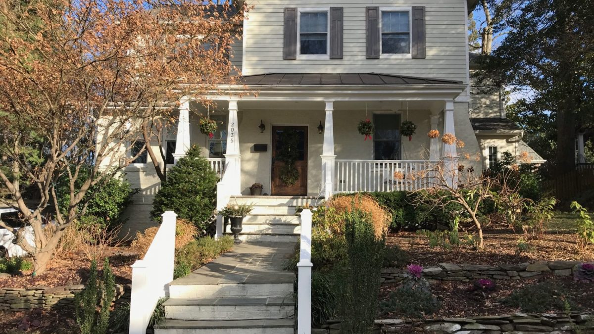 Expanded and Spacious Cape Cod Minutes from Georgetown